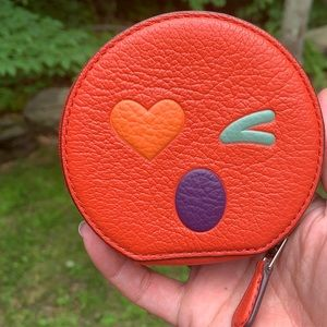 Authentic Coach Round leather coin zip case🌹